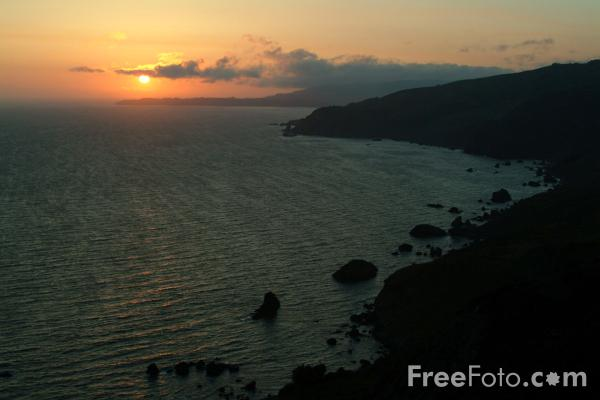 1219_07_6---Sunset-over-the-Pacific-Ocean--California--USA_web